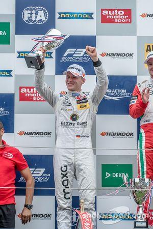 Podio: Maximilian Günther, Prema Powerteam Dallara F312 - Mercedes-Benz