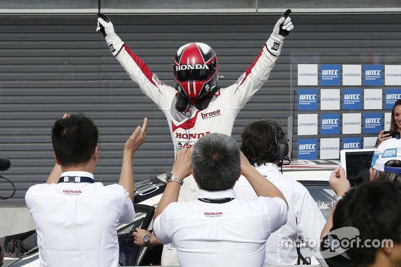 Ganador Norbert Michelisz, Honda Racing Team JAS, Honda Civic WTCC