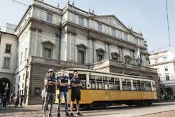 Daniel Ricciardo, Carlos Sainz Jr. und Daniil Kvjat im La-Scala-Theater