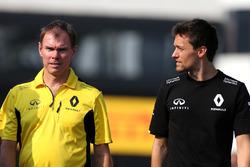 Alan Permane,, Renault Sport F1 Team, Chefingnieur; Jolyon Palmer,, Renault Sport F1 Team