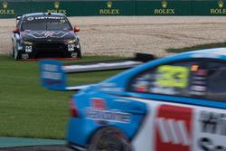Scott Pye, Team Penske Ford off track