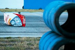 Un pezzo della vettura incidentata #60 Michael Shank Racing with Curb/Agajanian Ligier JS P2 Honda: