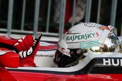 Sebastian Vettel, Ferrari SF16-H fête sa troisième place dans le Parc Fermé