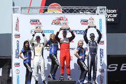 Podium : le vainqueur Felix Serralles, Carlin, le deuxième, Scott Hargrove, Team Pelfrey, le troisième Kyle Kaiser, Juncos Racing