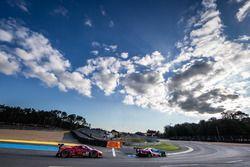 #68 Ford Chip Ganassi Racing, Ford GT: Joey Hand, Dirk Müller, Sébastien Bourdais, #82 Risi Competiz