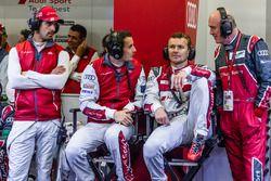 Audi Sport Team Joest Audi R18: Lucas di Grassi, Oliver Jarvis, Marcel Fassler y Dr. Wolfgang Ullric