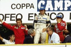 Podium: race winner Nelson Piquet, Brabham BMW, second place René Arnoux, Ferrari, third place Eddie
