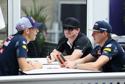 Max Verstappen, Red Bull Racing talks with IndyCar driver Conor Daly and Pierre Gasly, Red Bull Raci