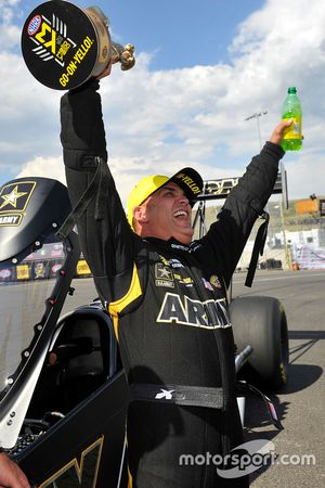 Ganador en Top Fuel, Tony Schumacher