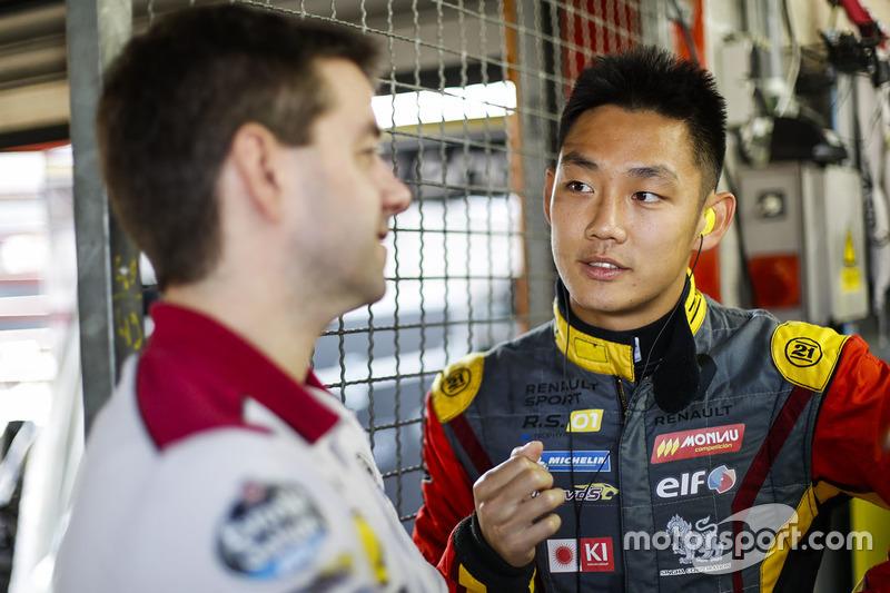 #15 Team Marc VDS, Renault RS01: Tanart Sathienthirakul