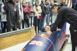 Daniil Kvyat, Red Bull Racing essaie le bobsleigh Alexander Kasyanov