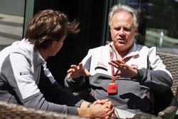 Esteban Gutierrez, Haas F1 Team with Guenther Steiner, Haas F1 Team Prinicipa