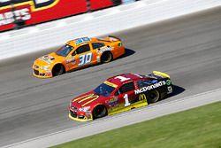 Jamie McMurray, Chip Ganassi Racing, Chevrolet; Josh Wise, The Motorsports Group, Chevrolet
