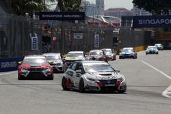 Gianni Morbidelli, Honda Civic TCR, WestCoast Racing and Pepe Oriola, SEAT León, Team Craft-Bamboo L