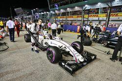 Valtteri Bottas, Williams FW38 en la parrilla