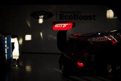 تفاصيل السيارة رقم 67 فريق فورد شيب غاناسي فورد جي تي: هاري تينكنيل، ماريو فرانشيتي، أندي برييو