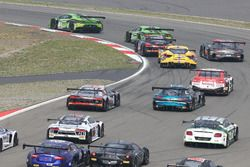 Le départ ; #19 GRT Grasser Racing Team, Lamborghini Huracan GT3: Michele Beretta, Andrea Piccini, Luca Stolz leads