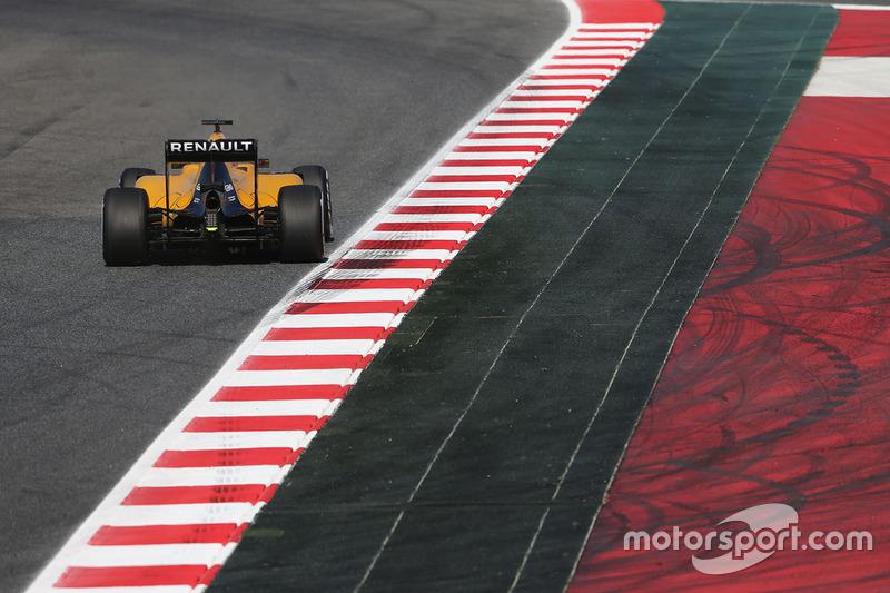 Esteban Ocon, Renault Sport F1 Team, en pruebas en el Circuito de Barcelona Catalunya