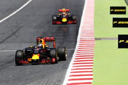 Daniel Ricciardo, Red Bull Racing leads Max Verstappen, Red Bull Racing
