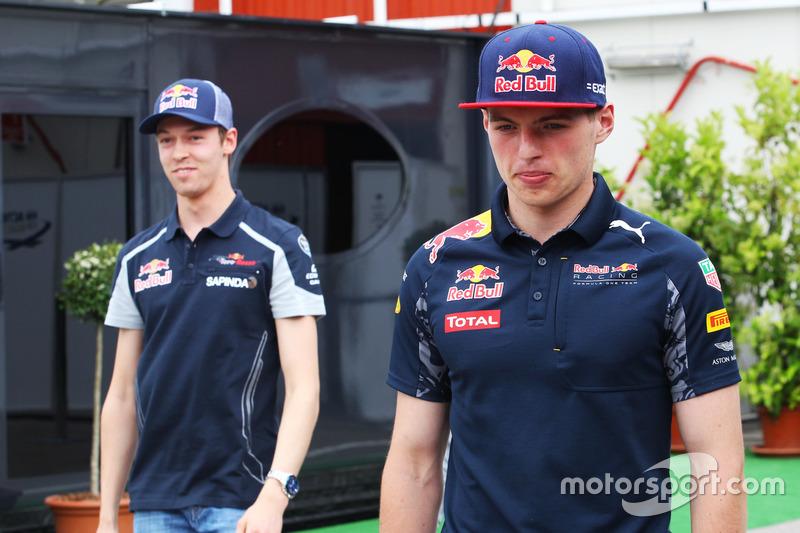 Max Verstappen, Red Bull Racing y Daniil Kvyat, Scuderia Toro Rosso
