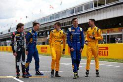 سائقي فريق دامس: سانتينو فيروتشي، دامس و جايك هيوز، دامس و كيفن يورغ، دامس و أليكس لين، دامس