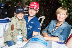 #66 Ford Chip Ganassi Racing Ford GT: Stefan Mücke with family
