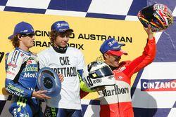 Podio: Valentino Rossi, Sete Gibernau, Loris Capirossi