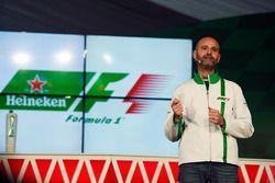 Gianluca di Tondo, Heineken Global Head of Brand, bij de Heineken sponsoraankondiging