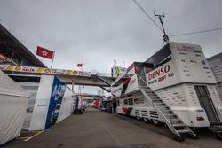 Toyota Racing zona de Paddock