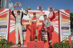 Podium Trofeo Pirelli: 1. Daniel Mancinelli; 2. Cooper MacNeil; 3. Martin Fuentes