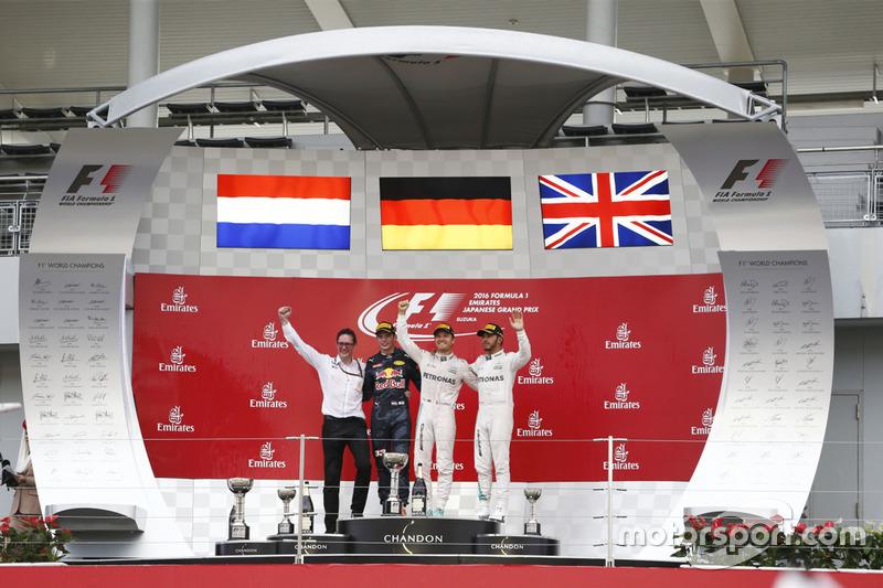 Podio: ganador, Nico Rosberg, Mercedes AMG F1, segundo, Max Verstappen, Red Bull Racing, tercero, Le