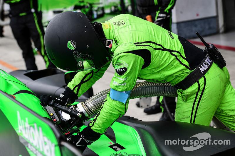 #30 Extreme Speed Motorsports refueler