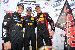 Race winners Uwe Alzen, Lance David Arnold, Jan Seyffarth, Haribo Racing, Mercedes-AMG GT3