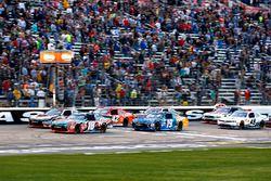 Rennaction, Kyle Busch, Joe Gibbs Racing Toyota führt