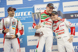 Podium; second place Mehdi Bennani, Sébastien Loeb Racing, Citroën C-Elysée WTCC; first place Rob Huff, Honda Racing Team JAS, Honda Civic WTCC; third place Norbert Michelisz, Honda Racing Team JAS, Honda Civic WTCC