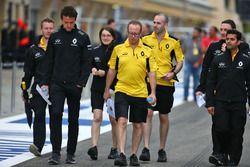 Джолион Палмер, Renault Sport F1 Team изучает трассу с командой