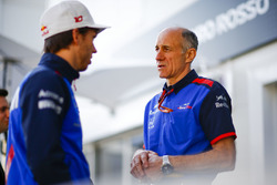 Pierre Gasly, Toro Rosso, avec Franz Tost, Team Principal, Toro Rosso