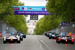 Practice start with Jose Maria Lopez, Dragon Racing, Felix Rosenqvist, Mahindra Racing