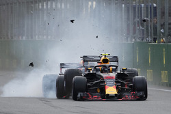 Max Verstappen, Red Bull Racing RB14 en Daniel Ricciardo, Red Bull Racing RB14 crash