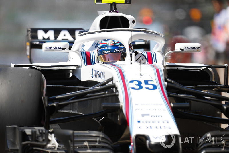 Sergey Sirotkin, Williams FW41, burns rubber out of the pit lane