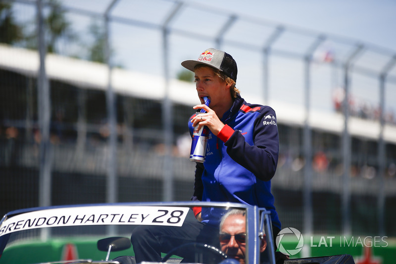 Brendon Hartley, Toro Rosso,en el drivers parade
