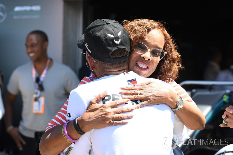 Lewis Hamilton, Mercedes-AMG F1 and Gayle King, TV Host