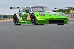 Автомобиль Porsche 911 RSR (№99) команды Dempsey Proton Competition