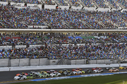 Kyle Larson, Chip Ganassi Racing, DC Solar Chevrolet Camaro and Joey Logano, Team Penske, Fitzgerald Glider Kits Ford Mustang