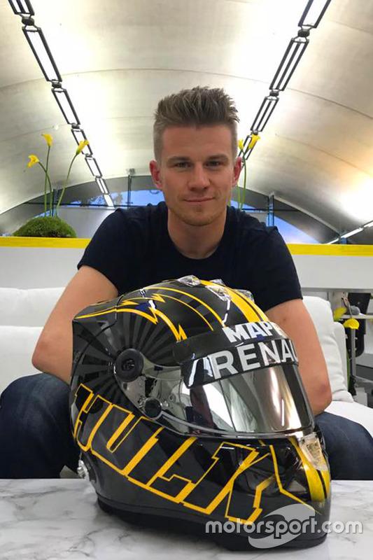 Nico Hulkenberg con il suo nuovo casco