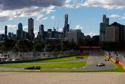 Pierre Gasly, Toro Rosso STR13 Honda, Charles Leclerc, Sauber C37 Ferrari, y Sergey Sirotkin, Willia