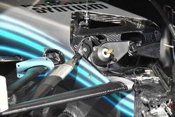 Detalle de la suspensión delantera del Mercedes AMG F1 W09