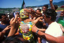 Le vainqueur Valentino Rossi