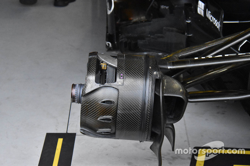 Renault Sport F1 Team R.S. 18 front brake detail