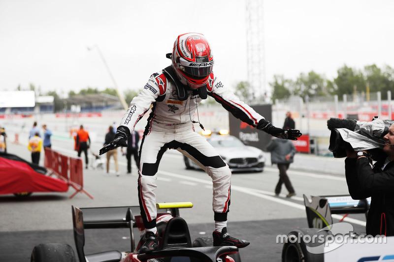 Le pilote de réserve Mercedes a remporté son duel face à Nyck de Vries pour s'imposer